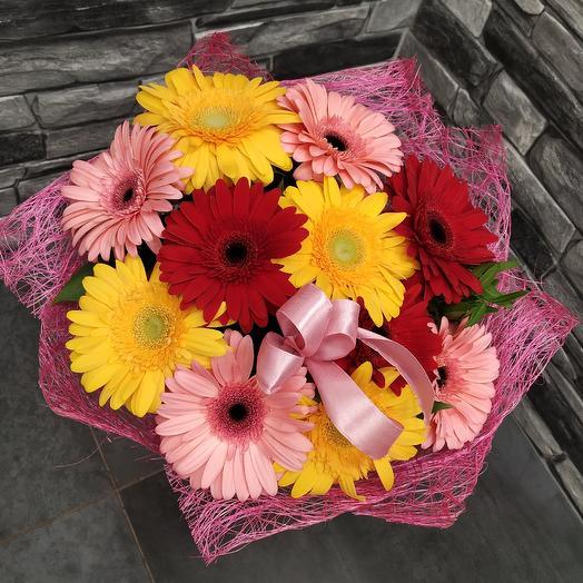 Яркий жизнерадостный букет гербер: букеты цветов на заказ Flowwow