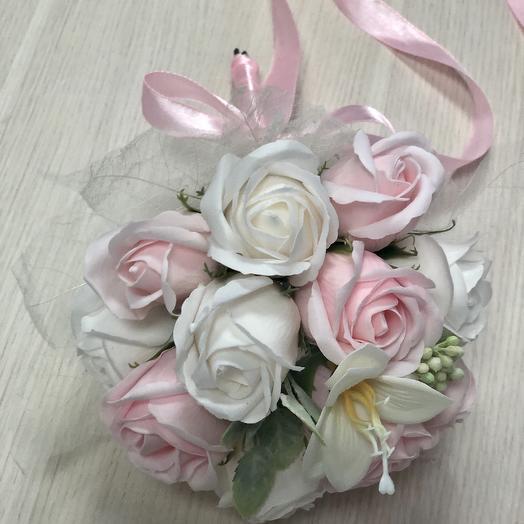 Букет невесты розовые и белые розы