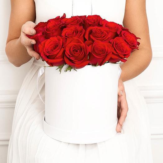 25white: 25 красных роз в коробке