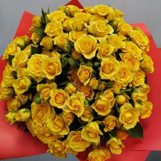 Роза желтая кустовая: букеты цветов на заказ Flowwow