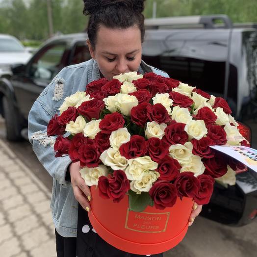 101 роза 🌹 в коробке «гранд-пассион»