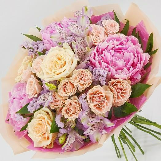 """Букет с пионами и кустовыми розами """"Нежные чувства"""""""