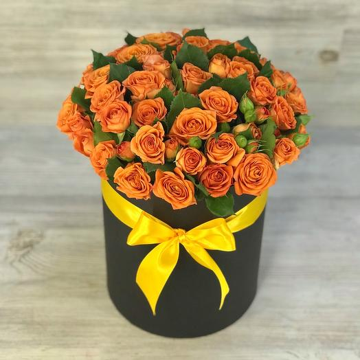 Шляпная коробочка кустовых роз