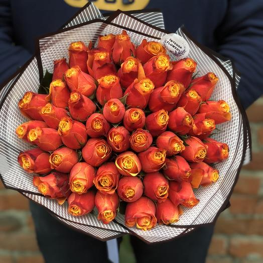 Букет из 51 огненной розы