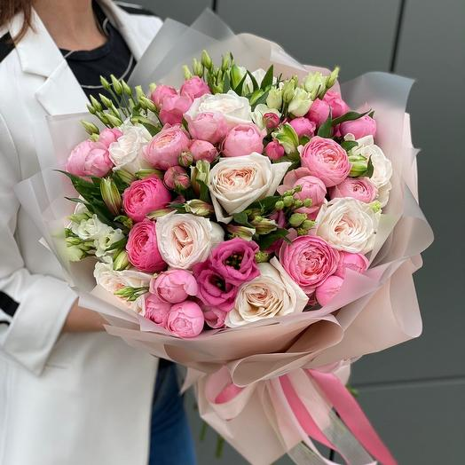 Букет из роз, эустомы, пионовидной розы и альстромерии Сердцебиение