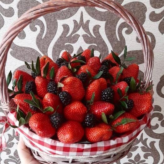 "Strawberry bouquet "" I miss you»"