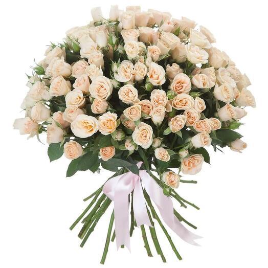 Букет из 29 кремовых кустовых роз