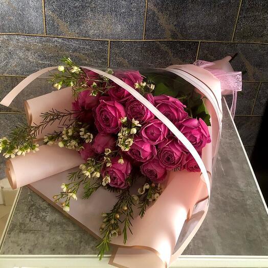 Букет из кустовой розы «Магия весны»