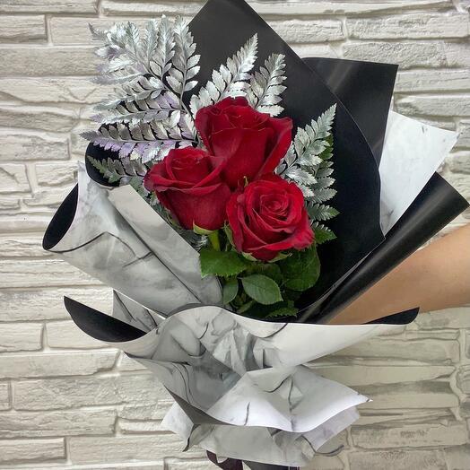Букет «розы на снегу»