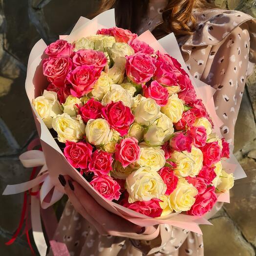 Pur Pur – Большой пышный букет из кустовых роз