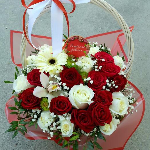 "Корзина с цветами "" Любимой"""