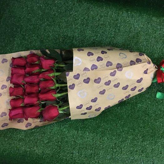 Букет из 17 роз в крафте
