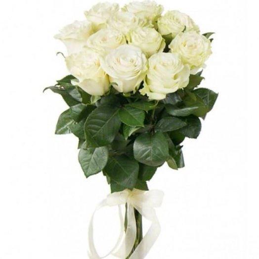 15 белых роз 50 см
