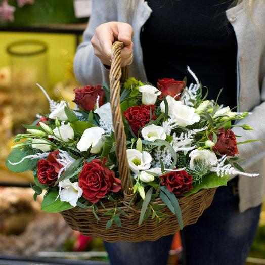 Корзина цветов Морозная дымка: букеты цветов на заказ Flowwow