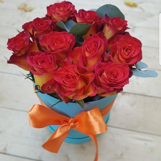 Коробочка из 11 роз в ассортименте: букеты цветов на заказ Flowwow