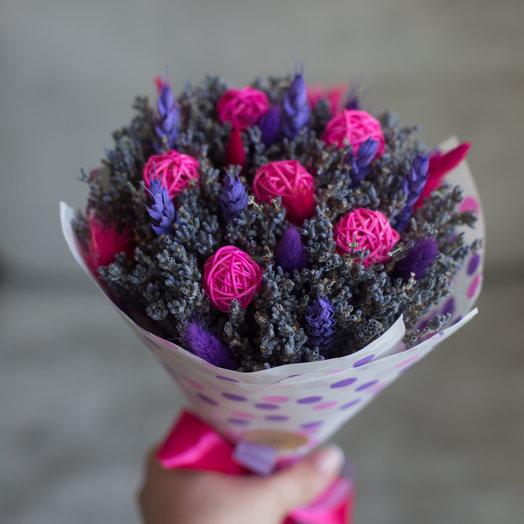 """""""Bubblegum"""" или букет из лаванды с ротанговыми шариками и сухоцветами : букеты цветов на заказ Flowwow"""