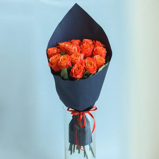Оранж в черном: букеты цветов на заказ Flowwow