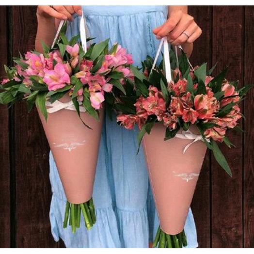 Конус с альстромериями: букеты цветов на заказ Flowwow
