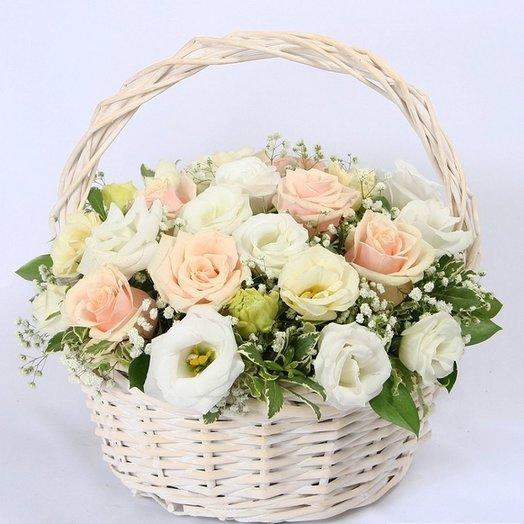 """Корзина """"Моей нежной"""" из роз и эустомы. Код 180080: букеты цветов на заказ Flowwow"""
