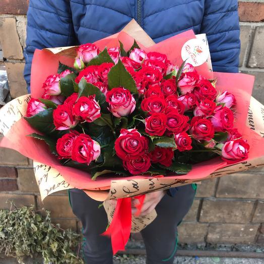 Букет из 19 веточек кустовых роз: букеты цветов на заказ Flowwow