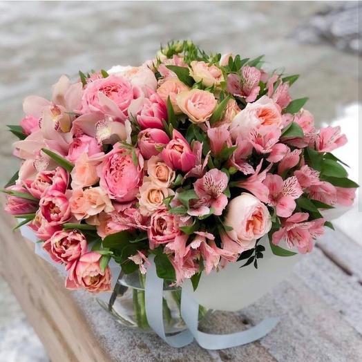 Букет с розами и альстромерией: букеты цветов на заказ Flowwow
