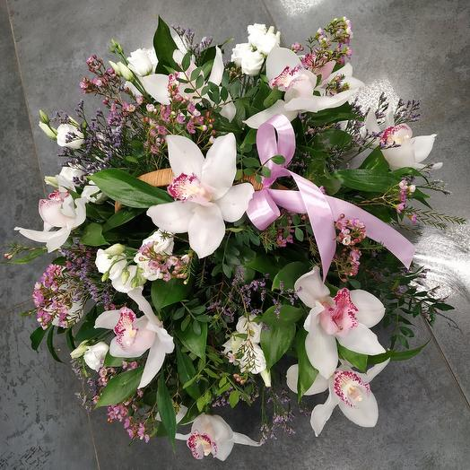 Elegant basket of white orchids and Lisianthus: flowers to order Flowwow