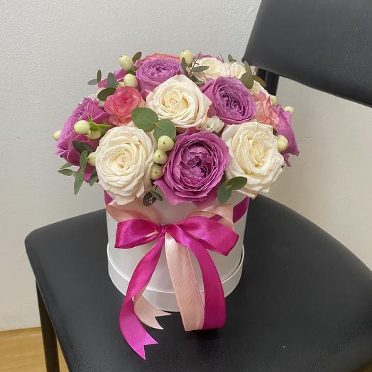 Микс из роз в шляпной коробке: букеты цветов на заказ Flowwow