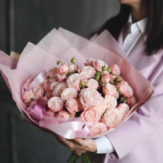 Средний букет из пионовидных роз Мадам Бомбастик: букеты цветов на заказ Flowwow