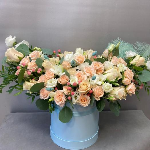 Большая коробка с розами
