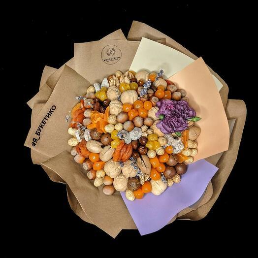 Букет из орехов с сухофруктами L