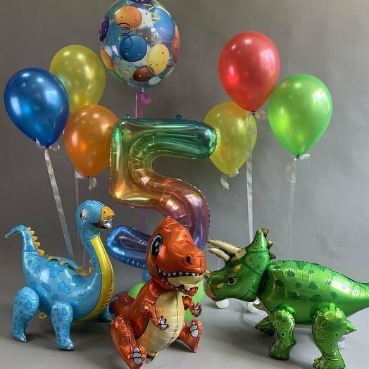 Композиция с маленькими динозаврами