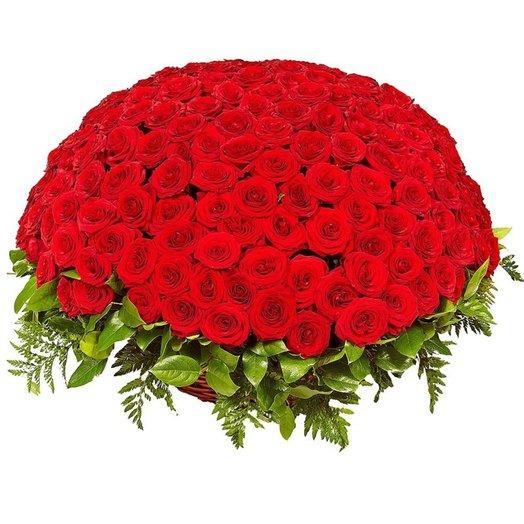 201 роза в корзине: букеты цветов на заказ Flowwow