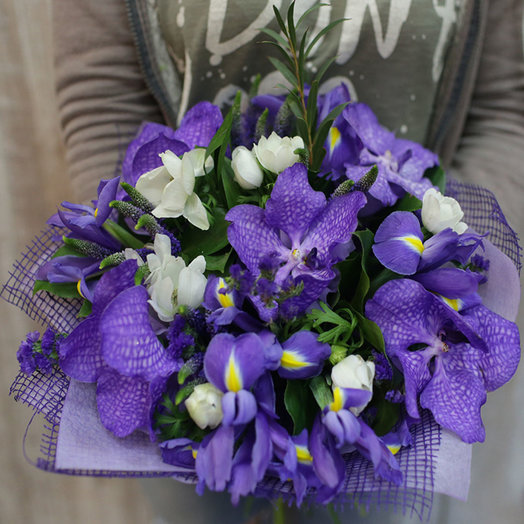 Букет в синих тонах с орхидеей Ванда