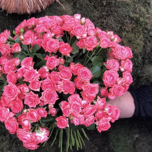 """Букет из кустовых роз """"Для Екатерины"""""""