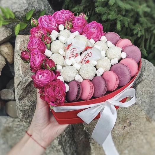 Букет из сладостей в коробке «Улыбайся»