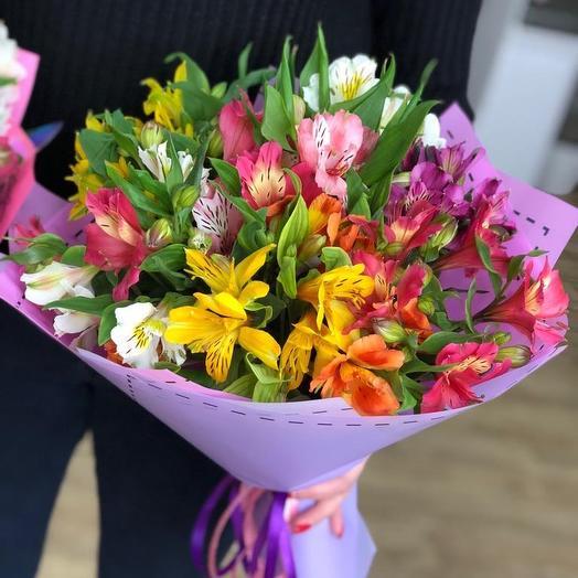 Яркие Стойки Альстромерии: букеты цветов на заказ Flowwow