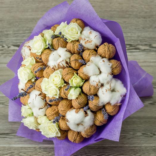 Букет из орехов с цветами: букеты цветов на заказ Flowwow