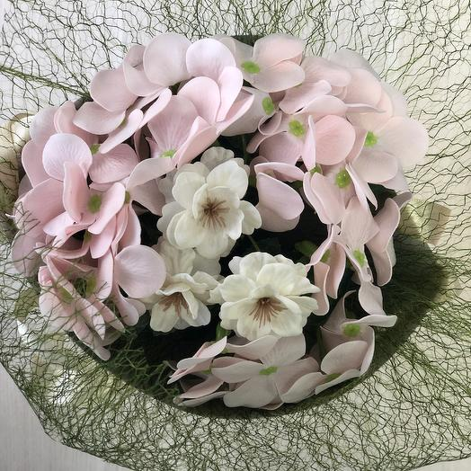 Букетик из мыльных гортензии и сакуры: букеты цветов на заказ Flowwow