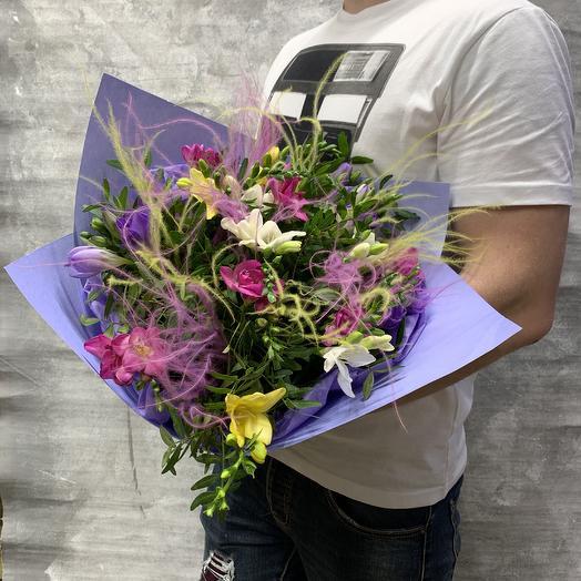 Яркая Ароматная фрезия: букеты цветов на заказ Flowwow
