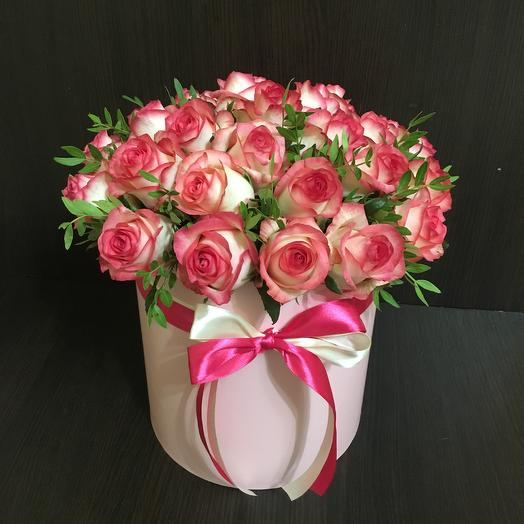 29 роз Джумилия в розовой шляпной коробке ( 20*20 см): букеты цветов на заказ Flowwow