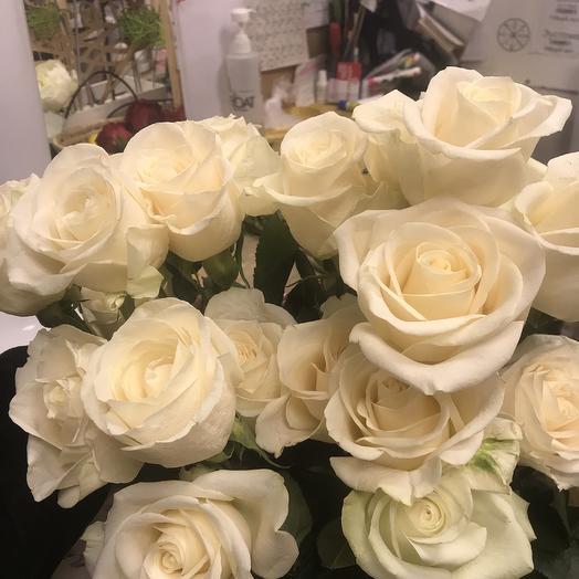 25 чайных роз: букеты цветов на заказ Flowwow