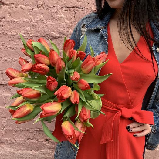 Тюльпаны ️: букеты цветов на заказ Flowwow