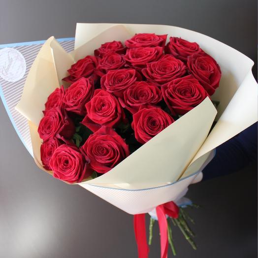 Ароматная красная роза
