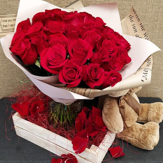 Роза (Эквадор) 40 см 35 шт. в упаковке