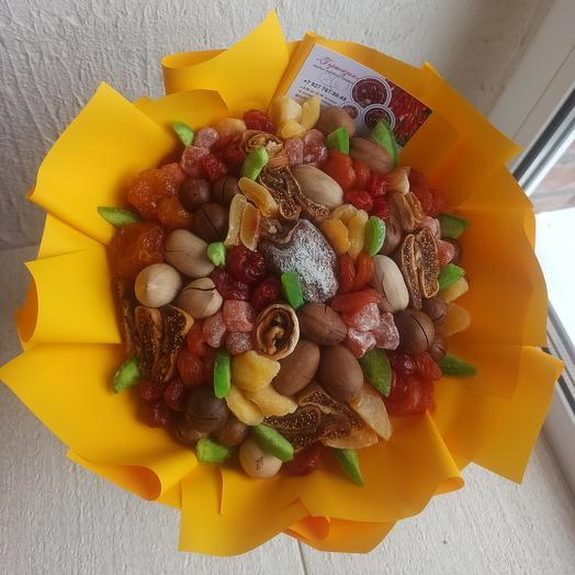 """A bouquet of dried fruit """"the Sun"""""""