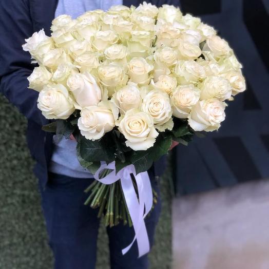 51 белая роза Эквадор 60 см
