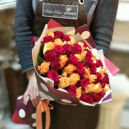 Яркий букет из 51  роз