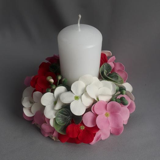 Свеча декоративная с гортензией из мыла
