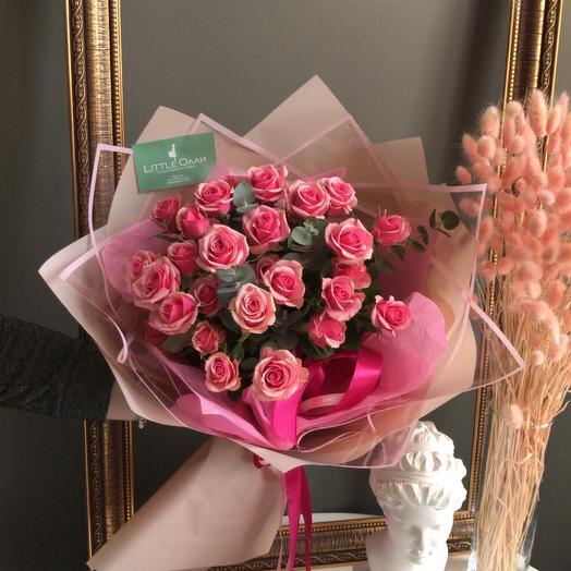 Розовые кустовые розы