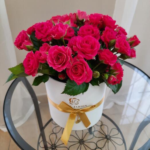 Шикарная коробка с кусовыми розами